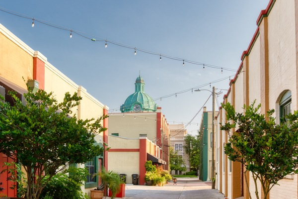 Discover DeLand: A Charming Center of Arts and Culture